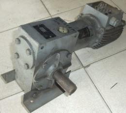 มอเตอร์เกียร์ 1/2HP 380V 380V 25RPM มือสอง 000896