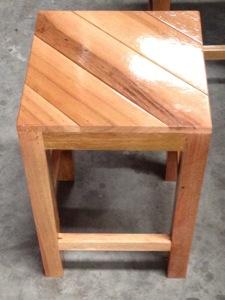 เก้าอี้สี่เหลี่ยมหัวโล้น-เฟอร์นิเจอร์ไม้